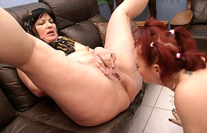Free Mature Pissing Porn Pictures
