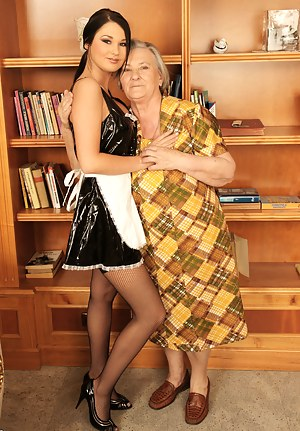 Free Mature Maid Porn Pictures